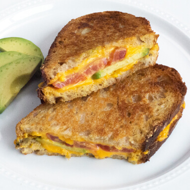 Avocado Grilled Chesse with Tomato